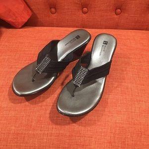Women's White Mountain sandals size7